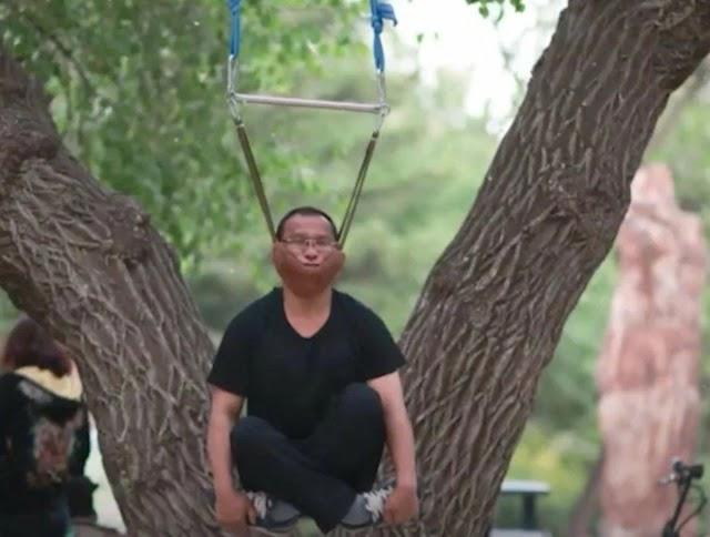 Senaman Gantung Leher Di China Semakin Popular Untuk Hilangkan Stress