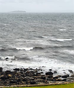 Крепкий нагонный ветер моряна.