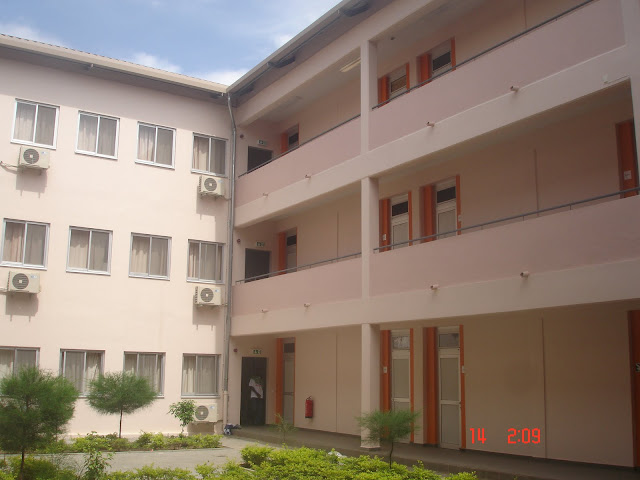 Advantages & Disadvantages Of Staying In School Hostel