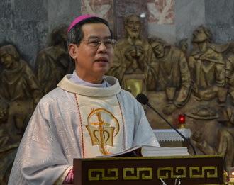 Ngày thứ hai tuần tĩnh tâm của linh mục đoàn