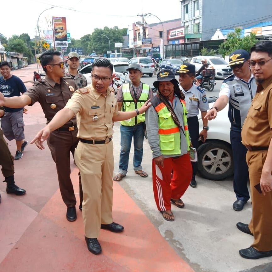 Pemkab Gowa Akan Buat Larangan Parkir di Tempat Pedestrian
