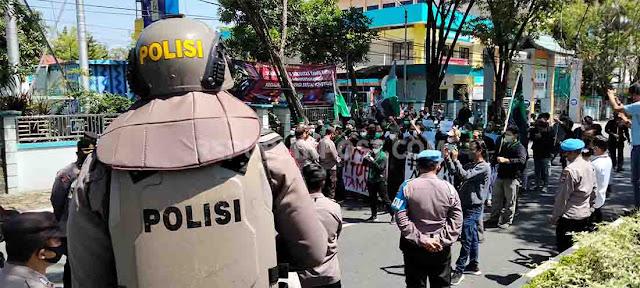 HMI Banjarmasin lancarkan aksi demo
