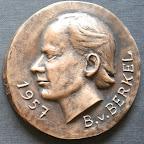 Voorkant bronzen herdenkingspenning ontwerper Erasmusbrug Rotterdam. Diameter 8.5 cm. OPlage 5.