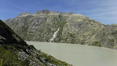 Photo: 300m-es vízesés a Grimsel-tó északi oldalában