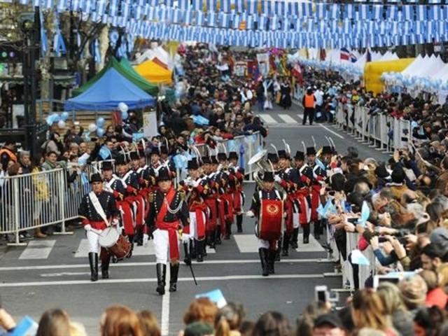Bicentenario en Buenos Aires: miles de personas participan de los festejos