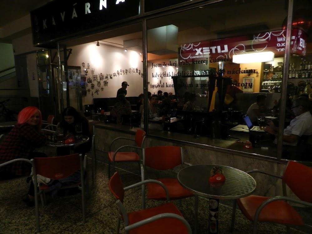 back at the old cafe/bar, the Kavarna Svanda