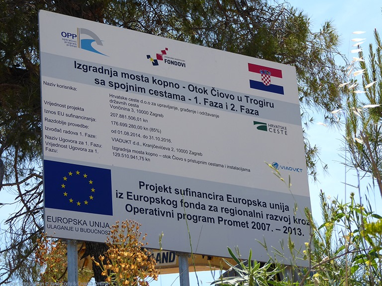 [Croatia+Online+-+Trogir+Bridge+Sign+%C2%A9+Jane+Cody+%26+Croatia+Online%5B5%5D]