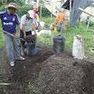 11 Formazione pratica in preparazione di compost.JPG