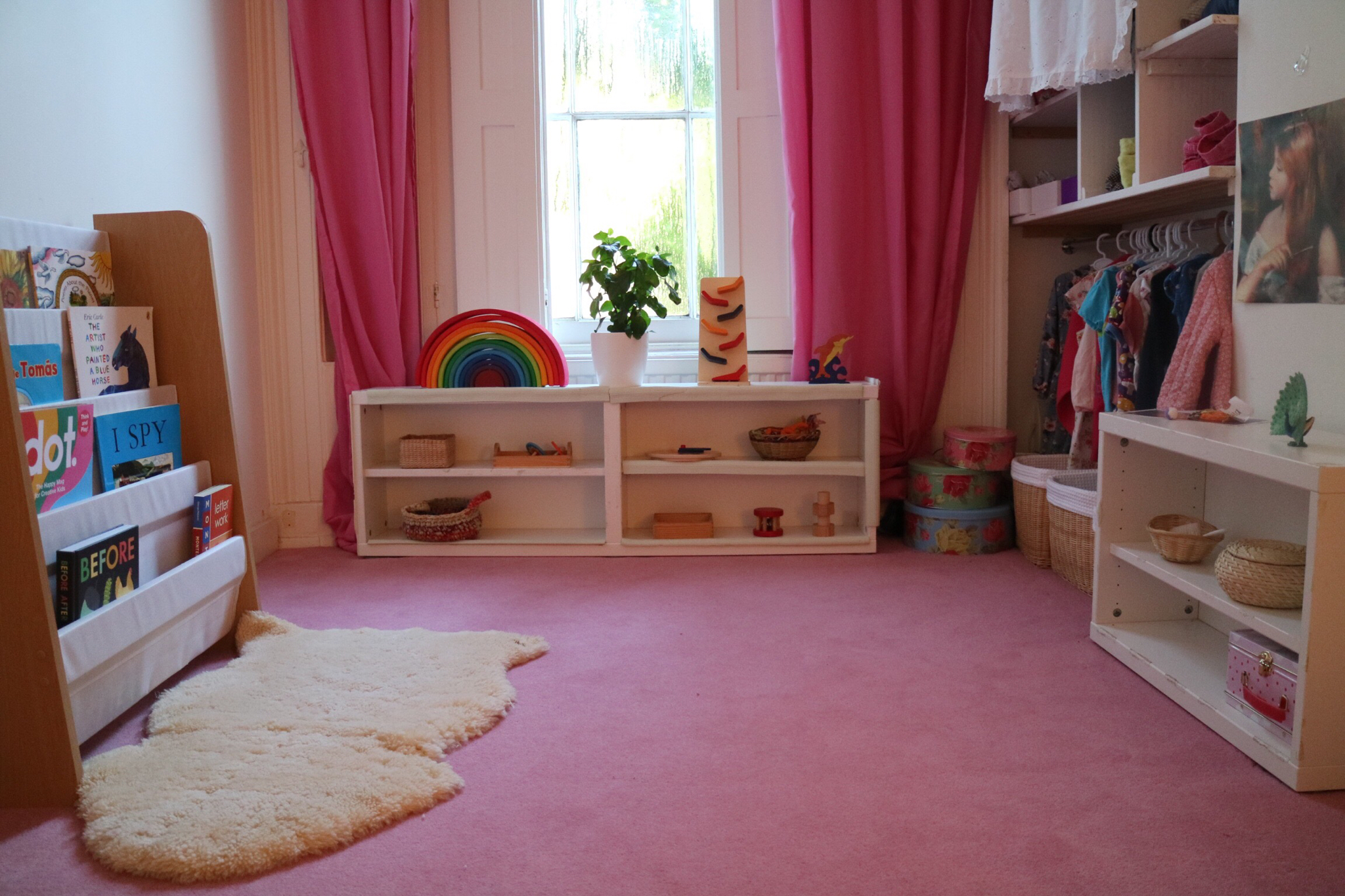 How To Create A Montessori Inspired Bedroom Play Room