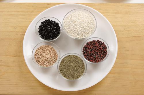 Receta de Ogokbap (arroz de cinco granos)