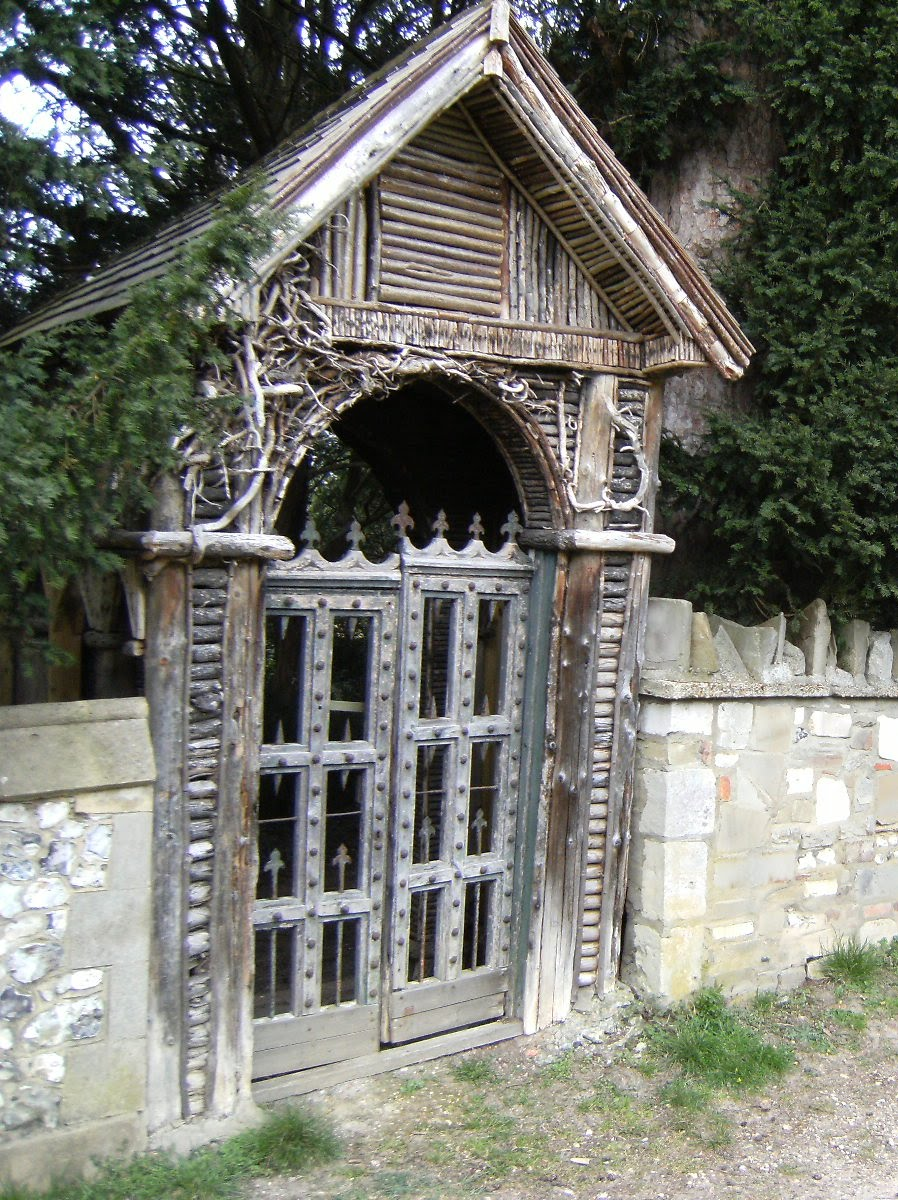 DSCF0554 Gate, Mickleham churchyard