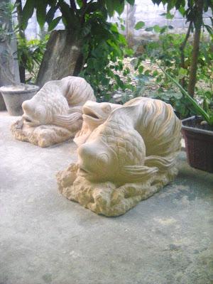 patung air mancur ikan untuk kolam