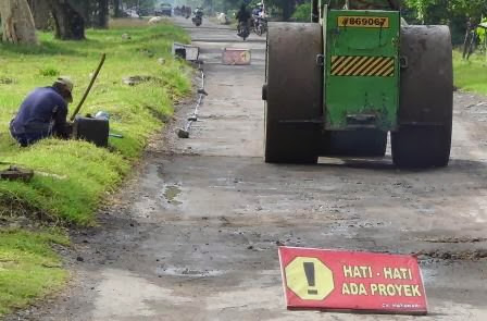 proyek perbaikan jalan