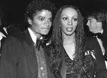 O eterno Rei do pop e a eterna Rainha Disco, uma foto cheio de empolderamento!