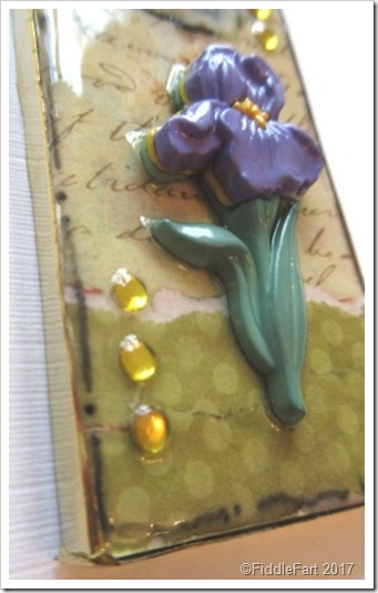 Domino Crafts Iris Flower Mixed Media Domino Tag