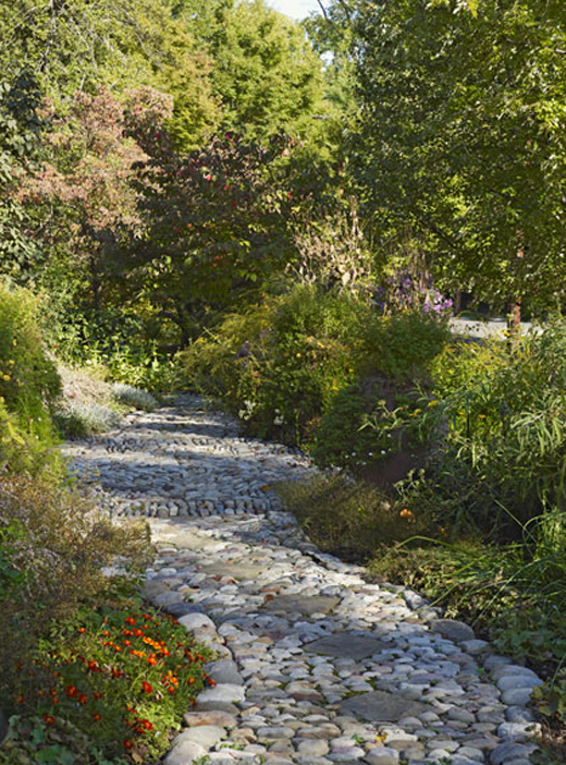 Glitz Bliss: In The Garden: Cascading Greens