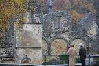 Abdijweekend Orval met Jona - 3110 - 211 '09 / mens en ruïne