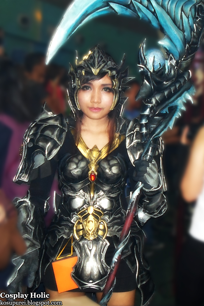 aion: the tower of eternity cosplay - female elyos gladiator from oh no! manga cosplay camp 2012 by erika garbin