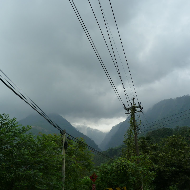Puli  en passant , entre autres, par les villages de l ethnie Bunum de Loloko et Dili. J 10 - P1170169.JPG