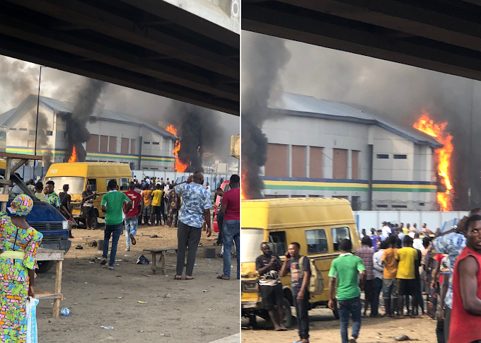 #EndSARS: Hoodlums Set Orile Police Station In Lagos Ablaze (Photos/Videos)