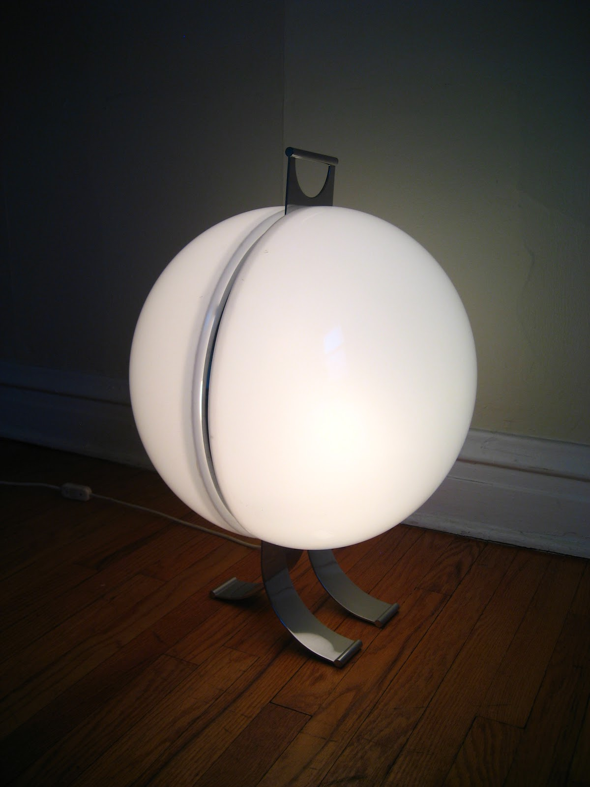 Flatout Design Orb Floor Lamp