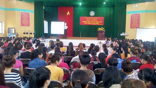 Hội thảo Phương pháp cho trẻ khám phá môi trường xung quanh tại Trường Cao đẳng Sư phạm Yên Bái