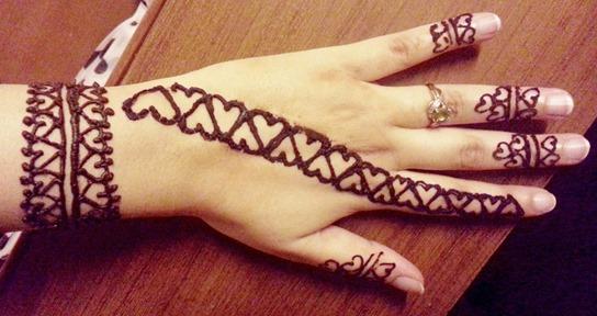 Top 15 Heart Shaped Mehndi Designs Bling Sparkle