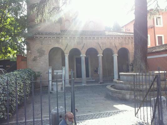 San Giovanni a Porta Latina, Via di Porta Latina, 17, 00179 Roma, Italy
