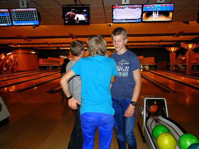 Bowlen jeugd H. Willibrordusparochie - 2014-10-03%2B20.55.53.jpg