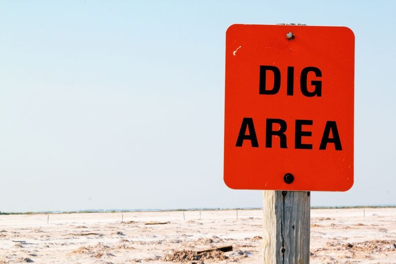 Dig for Crystals at Oklahoma's Great Salt Plains | Amusing