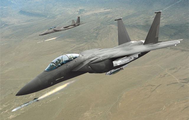 caças F-15