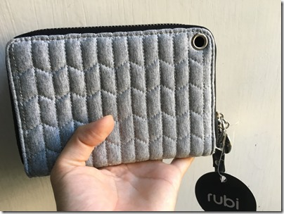Cotton On rubi Lawrence Phone Wristlet Grey Quilt