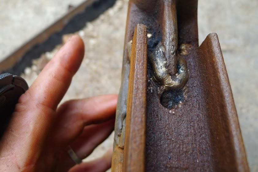 Ancienne scie à ruban Jacquin... La restauration est finie P1060348