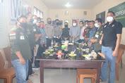 Kasat Lantas Polres Soppeng Sambangi Sekretariat IWO Jalin Silaturahmi