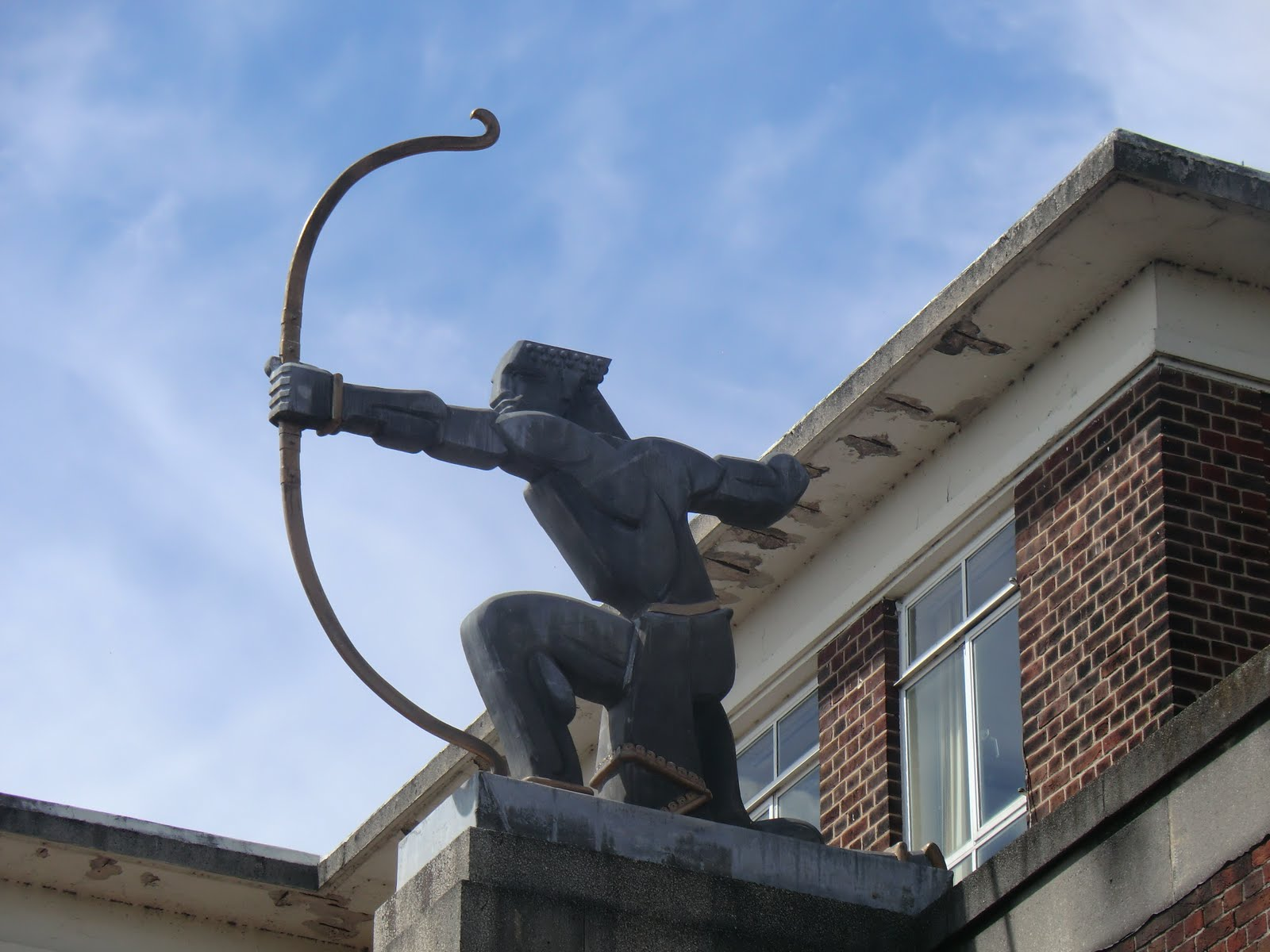 CIMG9550 The Archer, East Finchley station