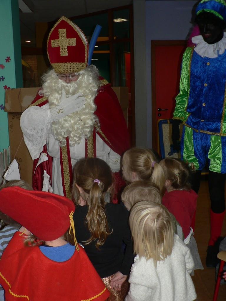 Sinterklaas op bezoek - P1270315.JPG