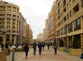 Šetalište u Erevanu.jpg