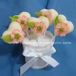 cakepops_coracaocomfloresaplicadas.jpg