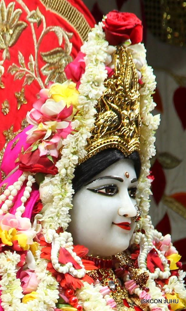 ISKCON Juhu Sringar Deity Darshan on 28th June 2016 (15)