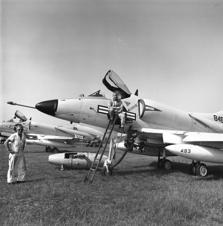 [Northrop-174735-071ab-G-91-A4D--sod-]