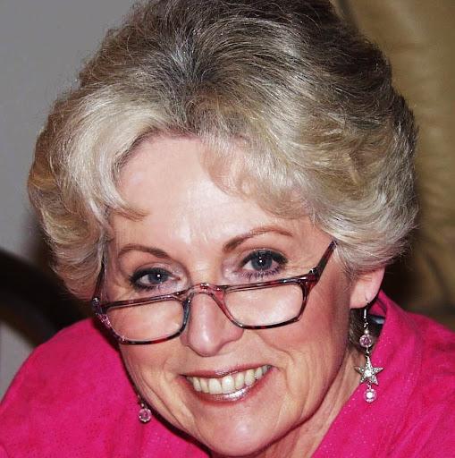 Myrna White Photo 8