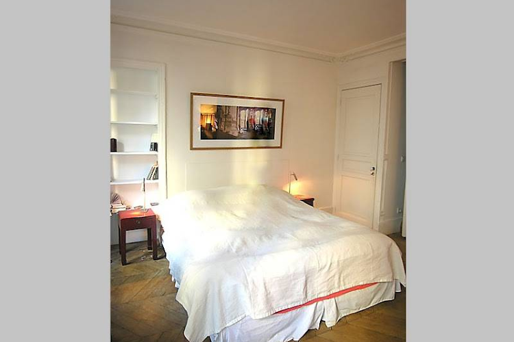 Bedroom at 3 bedroom Apartment Rue Du Cherche Midi, St Germain