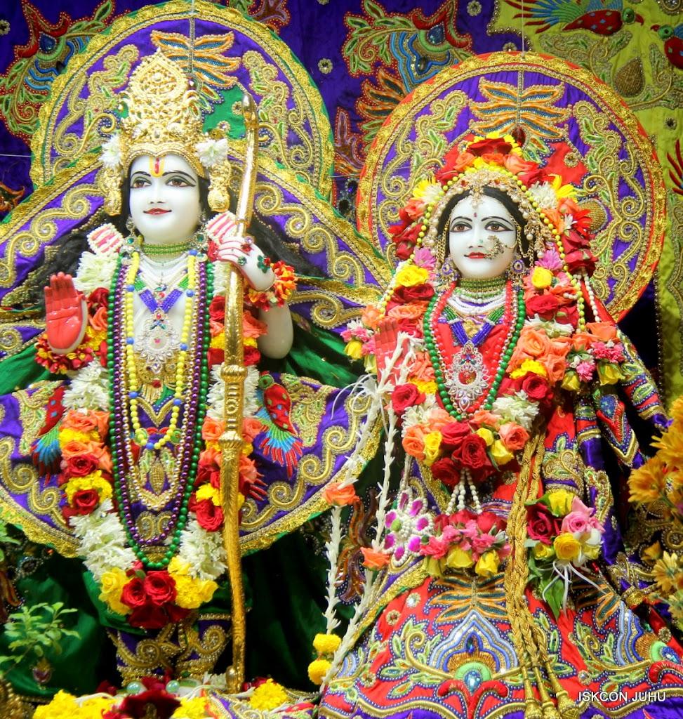 ISKCON Juhu Sringar Deity Darshan on 31st July 2016 (21)