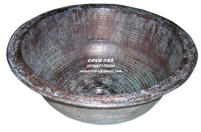 wastafel tembaga antik