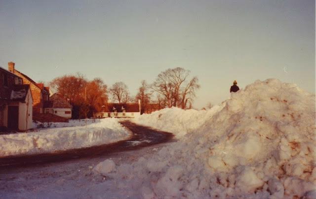 Woodhurst In The Snow - December 1981 - Scan10014.jpg