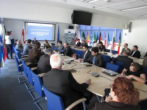 Spotkanie w biurze Komisji Europejskiej zgromadziło ok. 30 osób z branży motoryzacyjnej