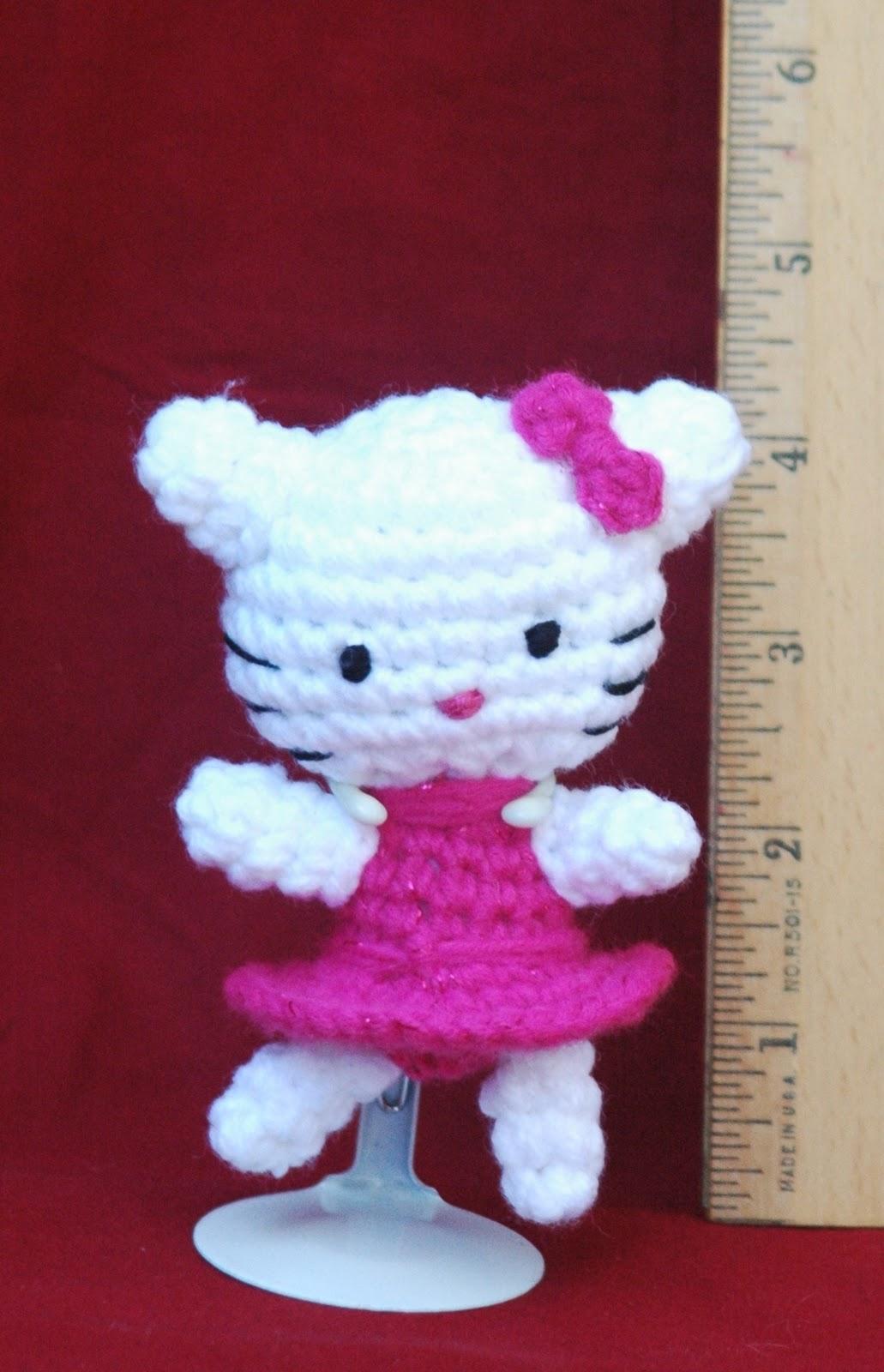 Free teeny kitty crochet pattern inspired by hello kitty
