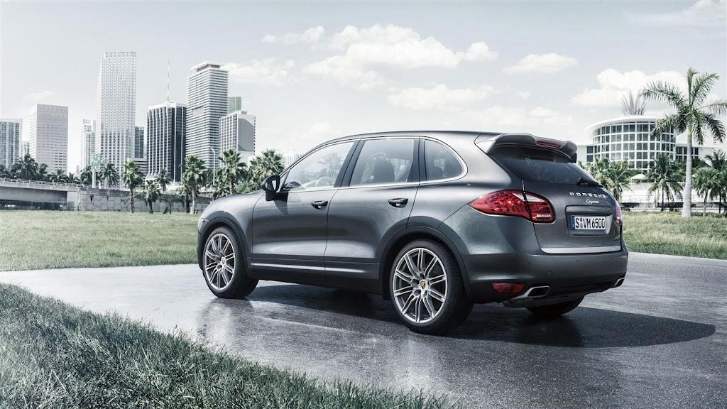2014-Porsche-Cayenne-Platinum-02