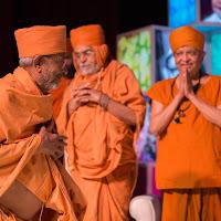Swamiji_Stage Enter.jpg