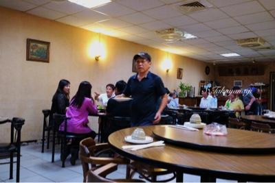 台北のホテル近くの食堂で